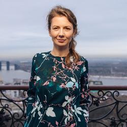 Анна Луковкіна