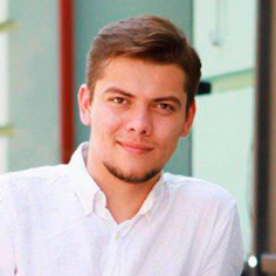 Максим Уперяка