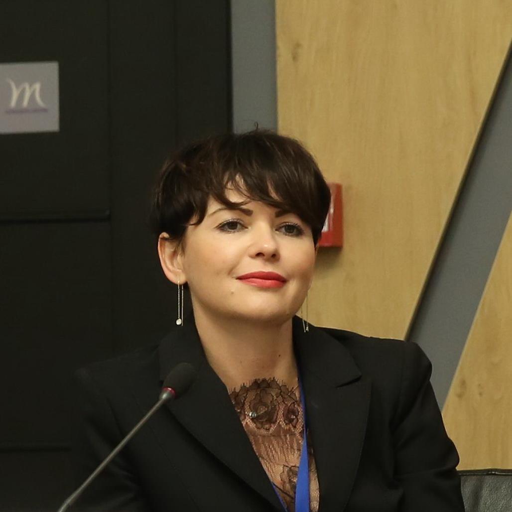 Олена Букіна