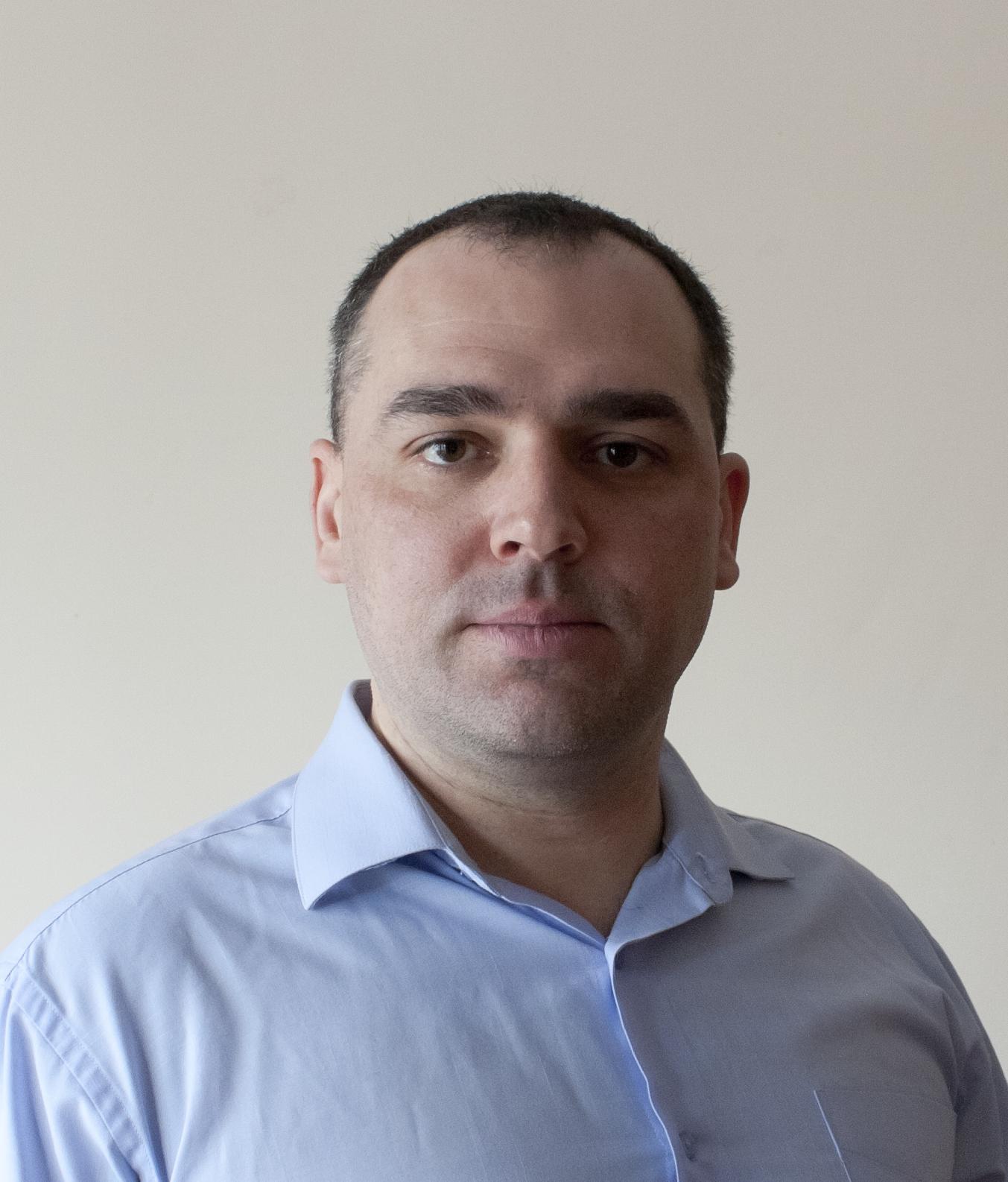 Михайло Апіянц
